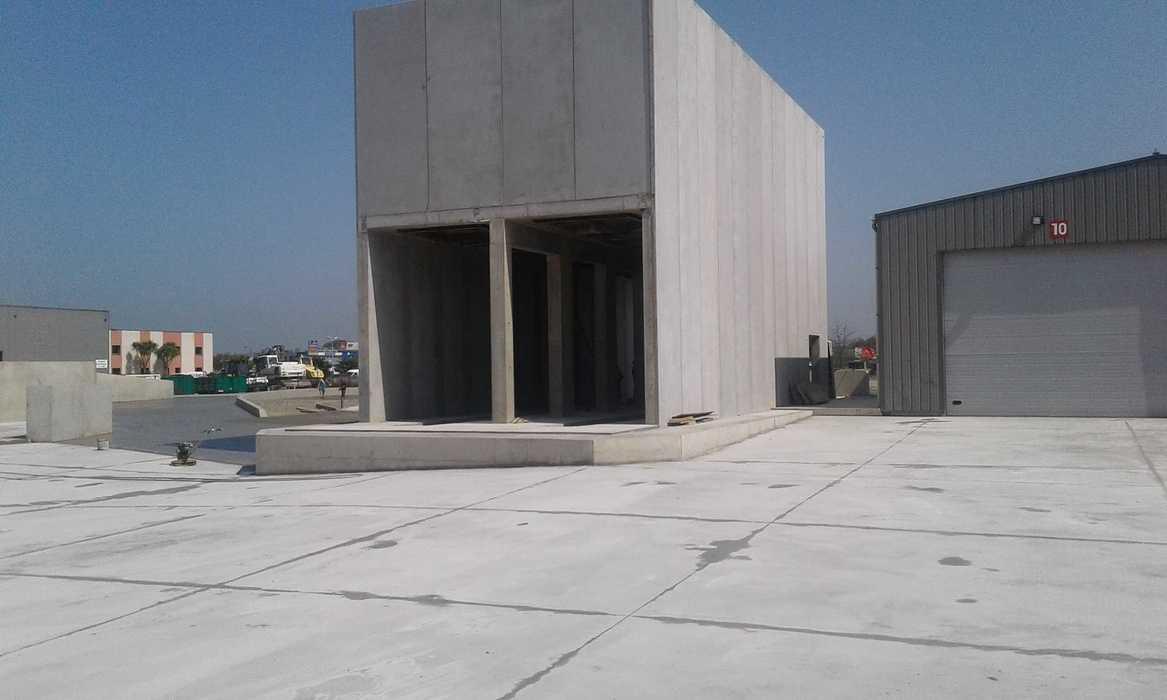 Construction d''un bâtiment et d''une centrale béton pour Lafarge à Yffiniac 29
