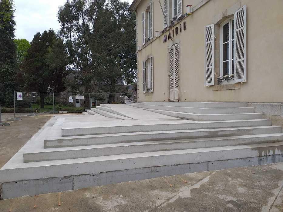 Réhabilitation de l''accueil et du perron de la Mairie de Plourhan 20190423174959