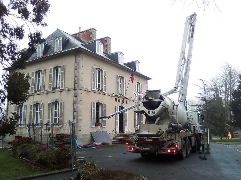 Réhabilitation de l''accueil et du perron de la Mairie de Plourhan 0