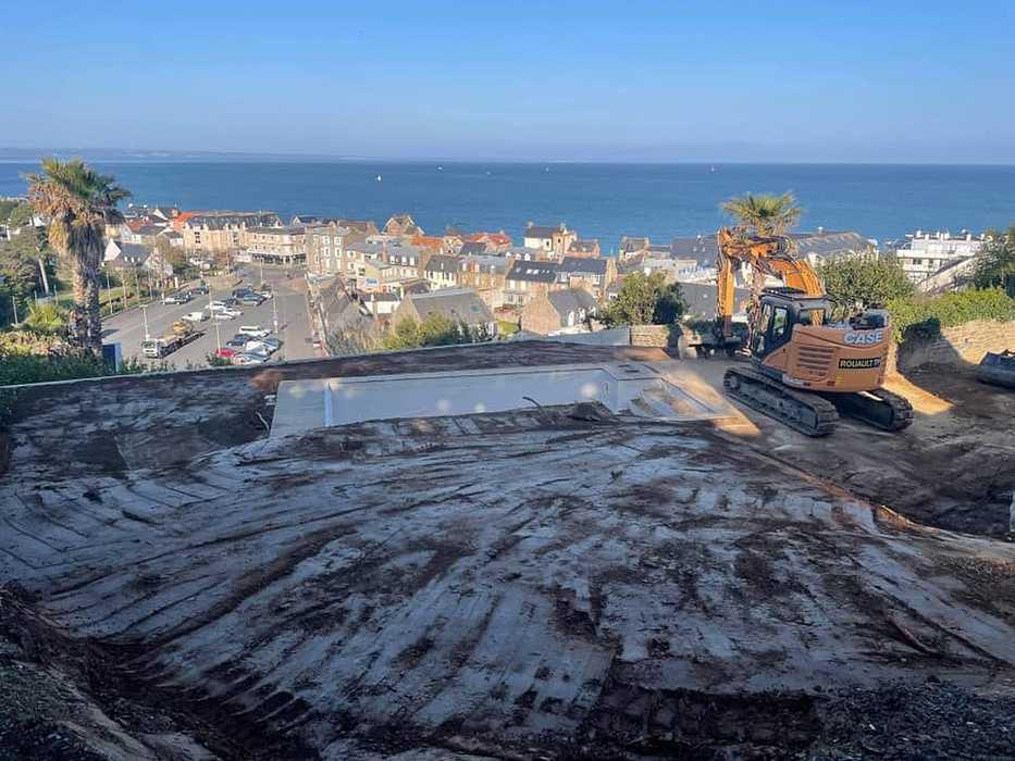 Terrassement et remblaiement matériaux drainant - mur de soutènement préfabriqué - Pléneuf 17326921952679184832823271770395652613042310n