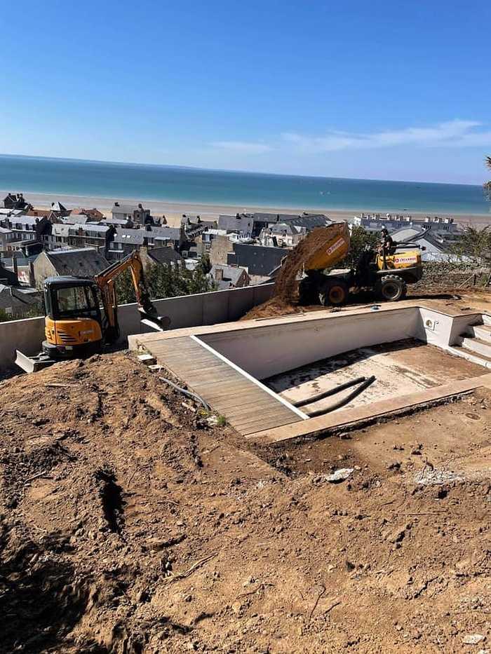 Terrassement et remblaiement matériaux drainant - mur de soutènement préfabriqué - Pléneuf 17357468752679182699490158657649016452146667n